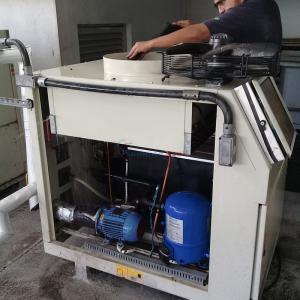 Manutenção de chiller refrisat